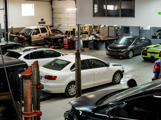 Jays Auto Repair >> Jays Auto Collision Center Etobicoke Toronto Car Alignment
